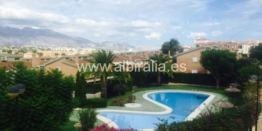 Semi-detached villa in Albir