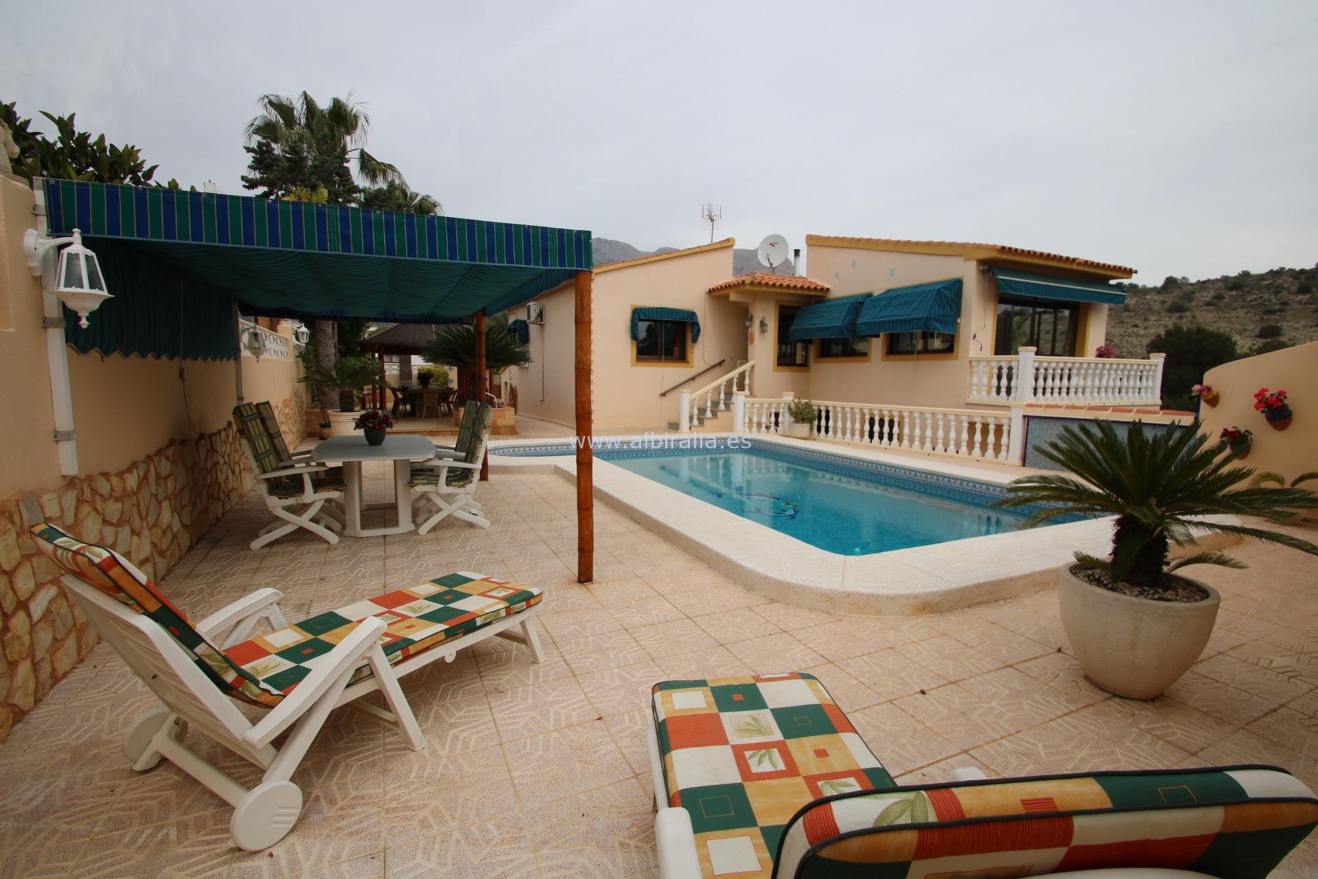 Villa between Alfaz and La Nucia I V215P