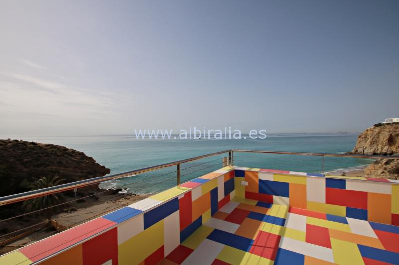 Luxury house by the sand beach between Villajoyosa and Campello V114P