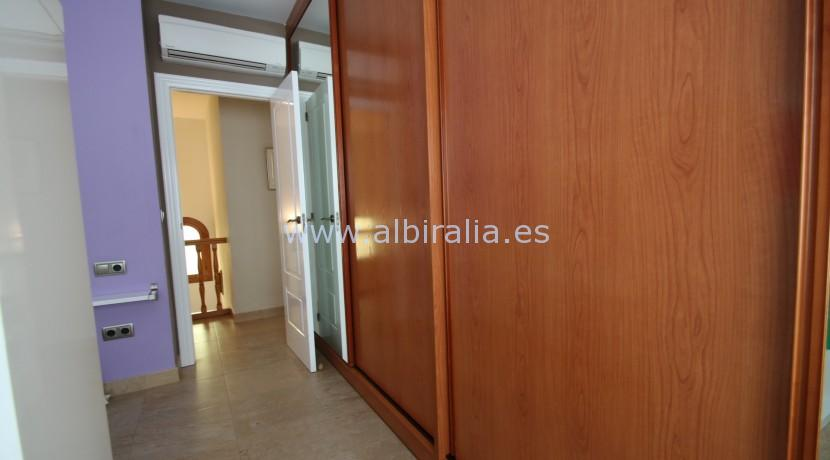 town house with private garage for long term rent in Albir