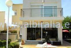 fasade villa til leie til salgs for sale for rent in Albir Alfaz #Albiralia