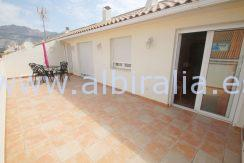 top floor apartment with large sunny terrace for long term rent in Altea