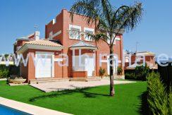 Unfurnished house for long term rent in La Nucia