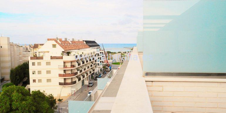 ático con amplias terrazas se vende en Denia