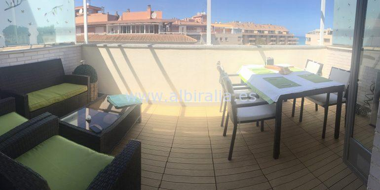 Top roof apartment with big terraces for sale in Denia