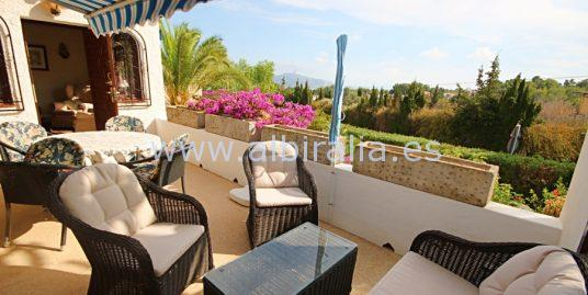 Villa with sea view – only 195.000€!