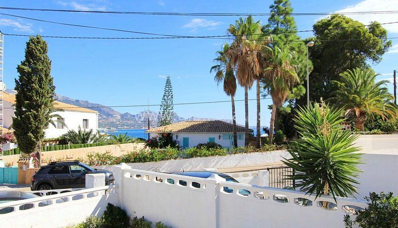 House for sale first line in Albir dream house