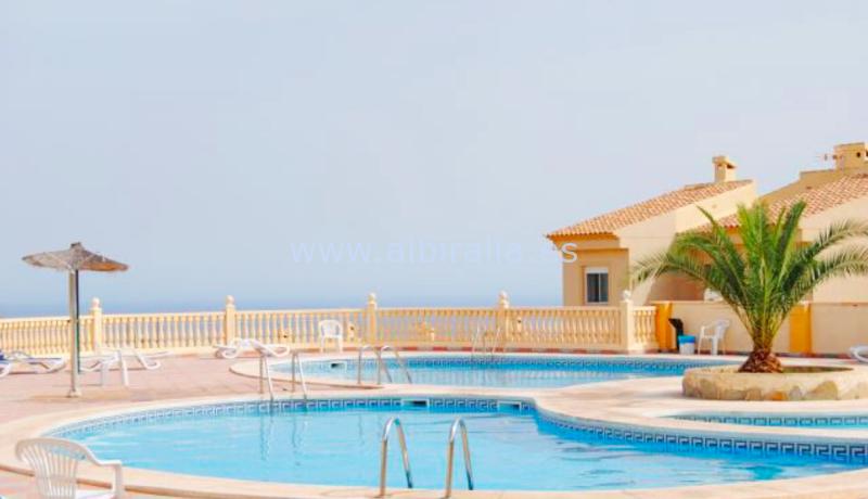 Casa adosada con vistas al mar y terreno con piscina se vende en Alicante Costa Blanca #albiralia