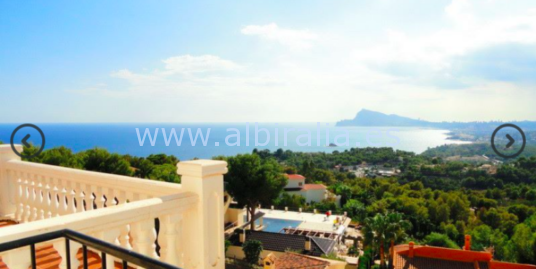 Townhouse with panoramic sea view for sale in Altea Hills I V192P