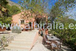 Bargain villa for sale in a county side only 199000€