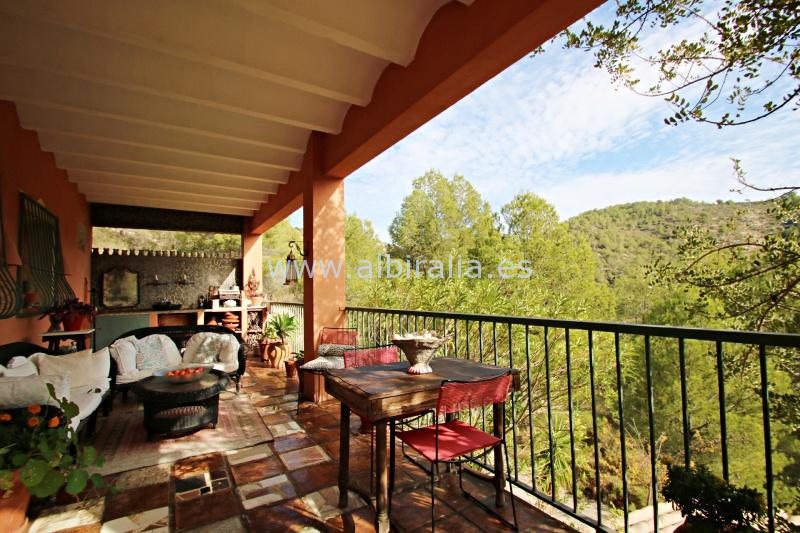 Cosy finca with Scandinavian touch for sale in the countryside I V191