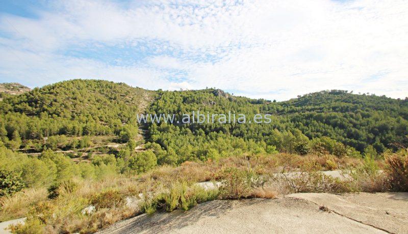Finca til salgs med innlagt vann og strøm utsikt i Polop Tarbena Bolulla Benidorm