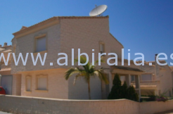 corner town house Albir