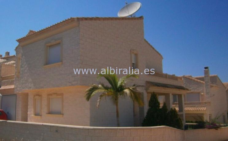 corner town house in Albir