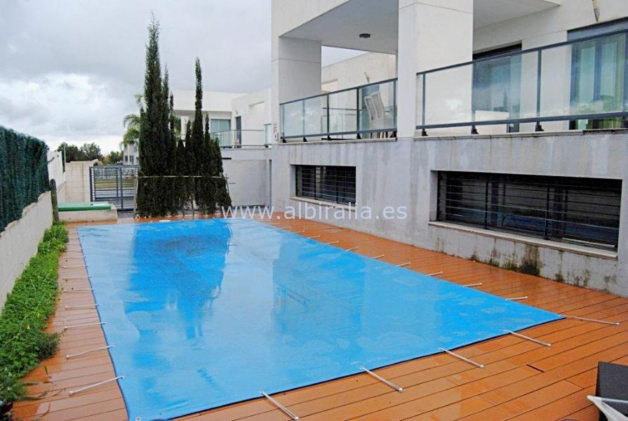 Modern villa for long term rent or sale I V195