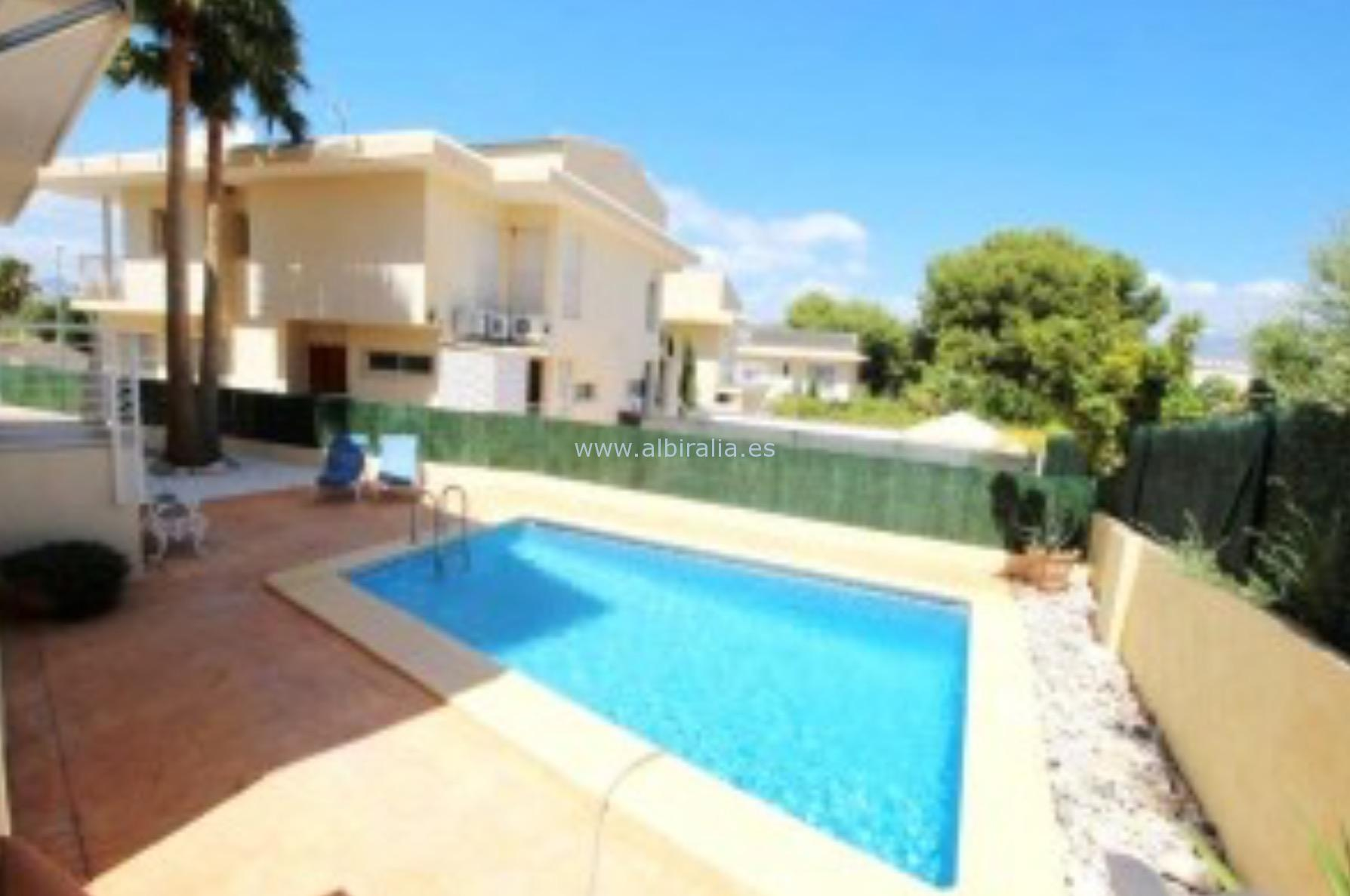 Beautiful villa with panoramic view in Albir I V200P