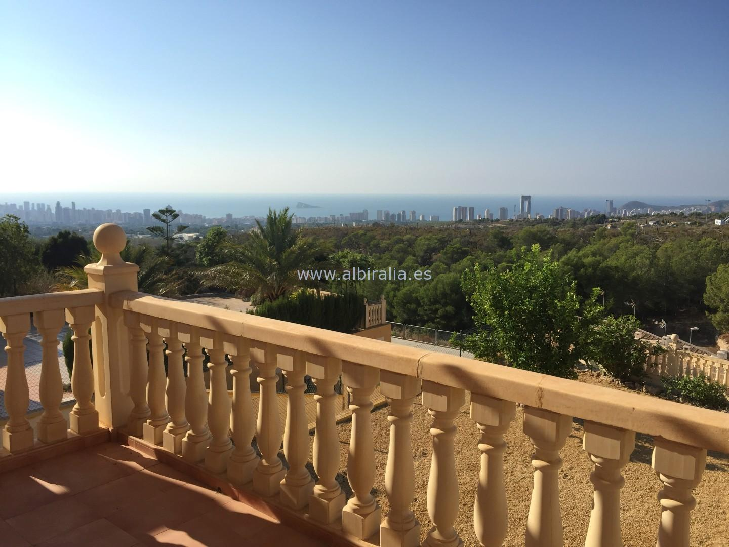 Detached villa with sea view I V212P