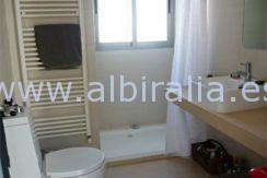 villa for short term rent holidays