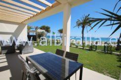 ny villa til salgs ved stranda i alicante