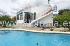 villa for sale view modern pool