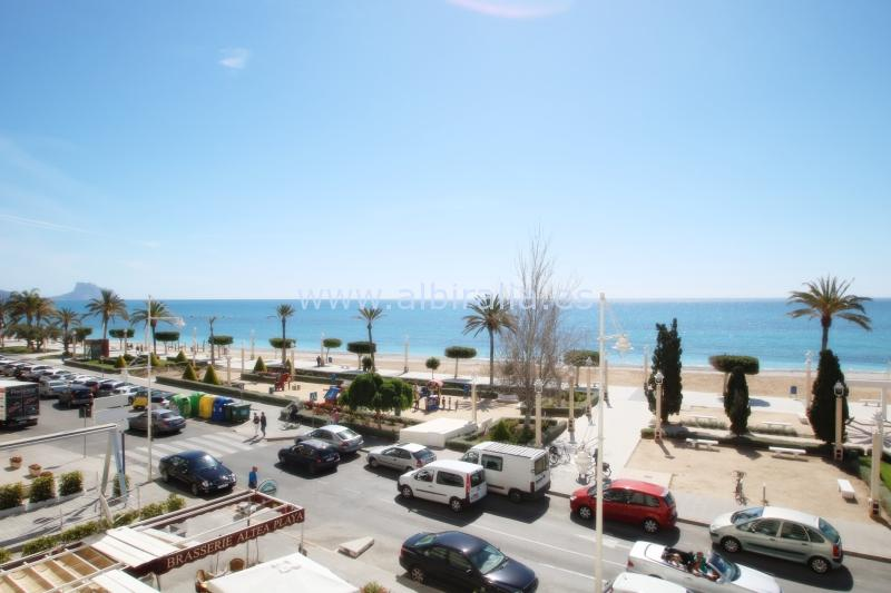 4 bedrooms apartment near the beach I A216