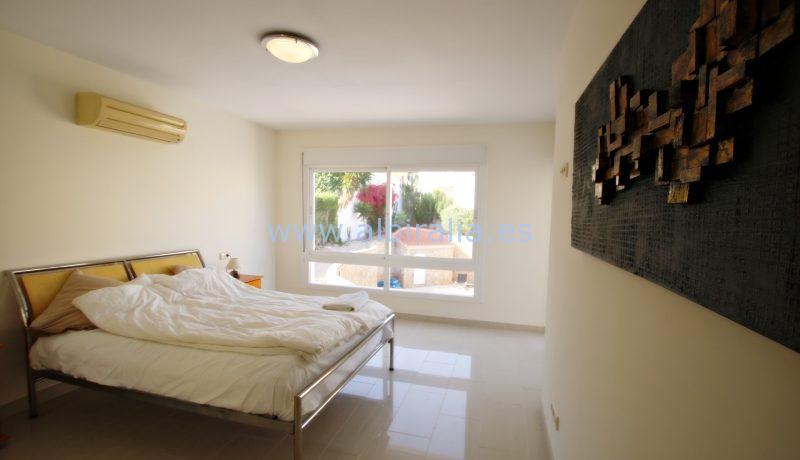 beautiful villa rent central albir swimming pool