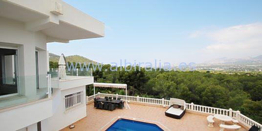 Exclusive and modern villa with amazing view in Albir I V233