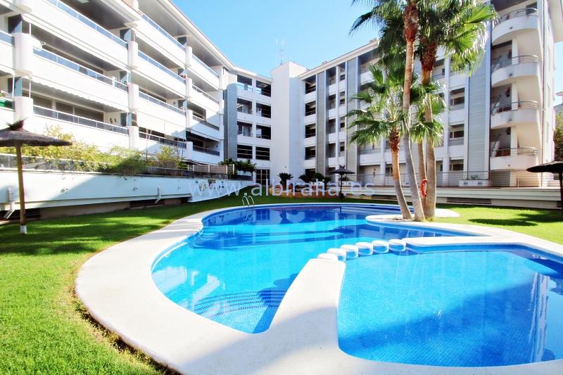 Apartment long term rent in Albir I A234