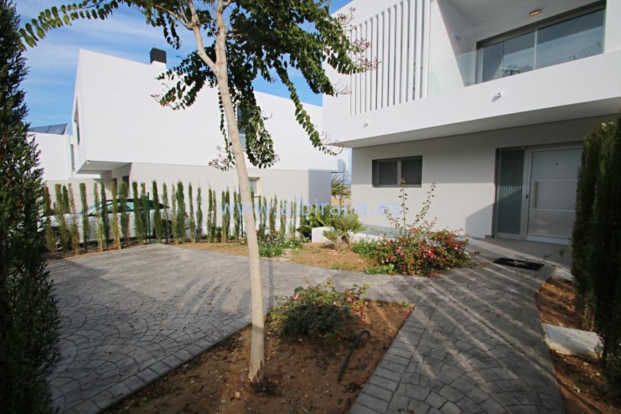 Brand new detached house in Albir I V110