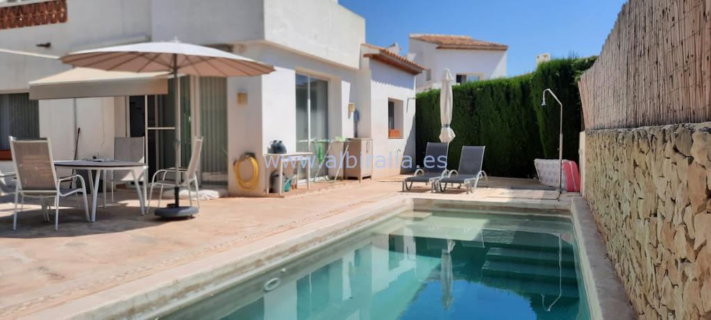 Furnished / Unfurnished villa for rent in urb. Belmonte near DNSCB I V304