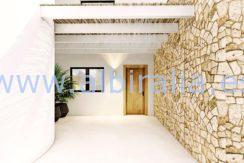 Long term rent villa Albir entrance from the garden